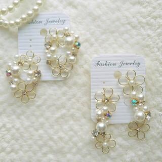 【上品な印象に…**】Flower wreath pearl earring