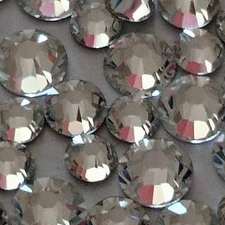 スワロフスキー(SWAROVSKI)のスワロフスキー正規品 クリスタル ss7/9/12/16mix 80粒(デコパーツ)