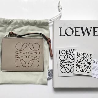 LOEWE - 新品 loewe カードホルダー コインケース Light Oat/Tan