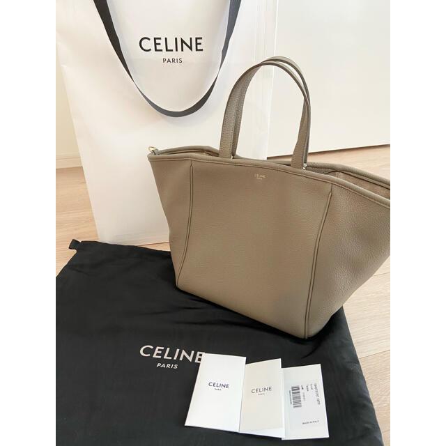 celine(セリーヌ)の【新品未使用】セリーヌ スモールフォールドカバ トープ レディースのバッグ(ハンドバッグ)の商品写真