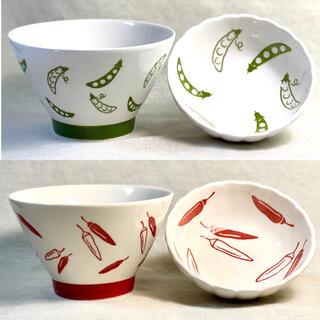 茶碗 小鉢 夫婦茶碗 食器セット かわいい 絵柄つき 緑 赤【 新品・未使用 】