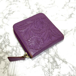 正規品✨カービングトライブス折り財布、即日発送‼️(財布)