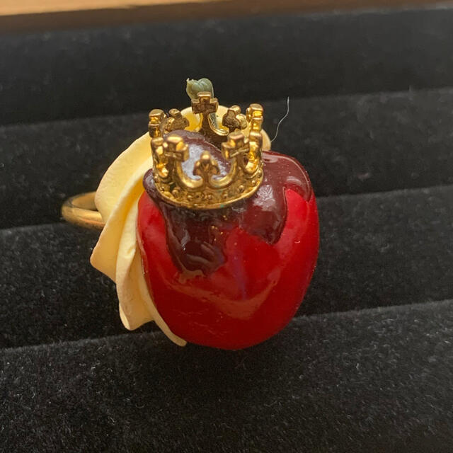 Q-pot.(キューポット)のHEXENHAUS 半分りんごリング ハンドメイドのアクセサリー(リング)の商品写真