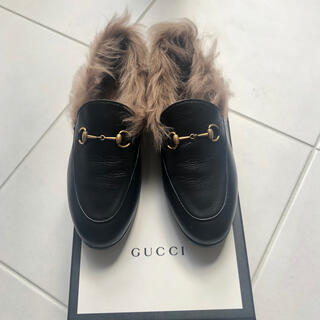 Gucci - GUCCI ファー付きレザーローファー
