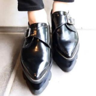 ムルーア(MURUA)の【新品未使用】MURUA ベロアソールローファー 大人気 厚底 ローファー(ローファー/革靴)