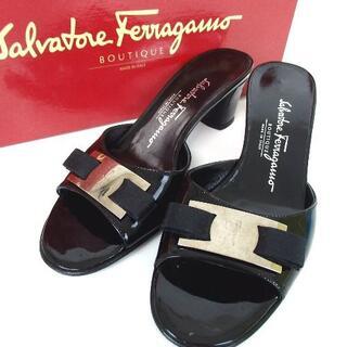 Ferragamo - サルヴァトーレフェラガモ ヴァラ リボン 靴 パテントレザー27-407