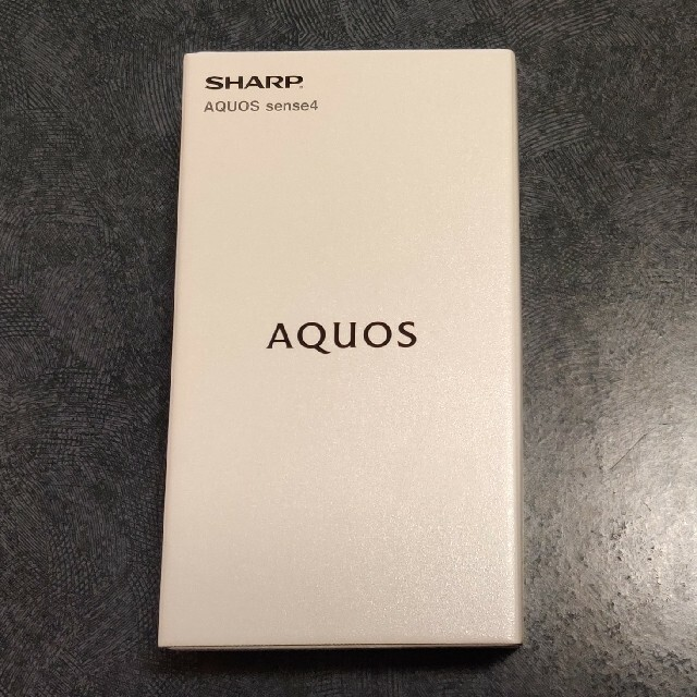 AQUOS(アクオス)の新品 未使用 AQUOS sense4 SH-M15  シルバー スマホ/家電/カメラのスマートフォン/携帯電話(スマートフォン本体)の商品写真
