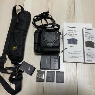 Panasonic - Panasonic Lumix DMC-G8 縦グリップ付き ボディー