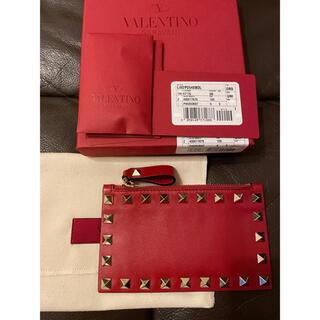 ヴァレンティノガラヴァーニ(valentino garavani)のVALENTINO(ヴァレンティノ) ロックスタッズ カードケース ファスナー (財布)