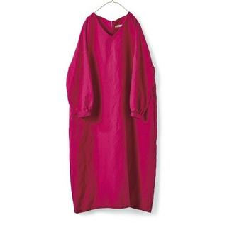 FELISSIMO - サニークラウズ Vネックのサックドレス