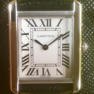 送料無料。クォーツ時計。