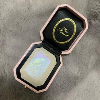 トゥフェイス(Too Faced)のTOOFACED ダイヤモンドライトマルチユースハイライター ケース付き(フェイスパウダー)