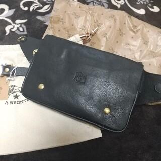 イルビゾンテ(IL BISONTE)の新品 イルビゾンテ 本革 レザー ボディバッグ ウエストバッグ  ブラック 黒(ボディーバッグ)