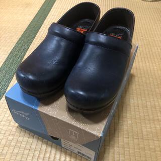 ダンスコ(dansko)のDANSKO ダンスコ プロフェッショナル 38 24.0(ローファー/革靴)