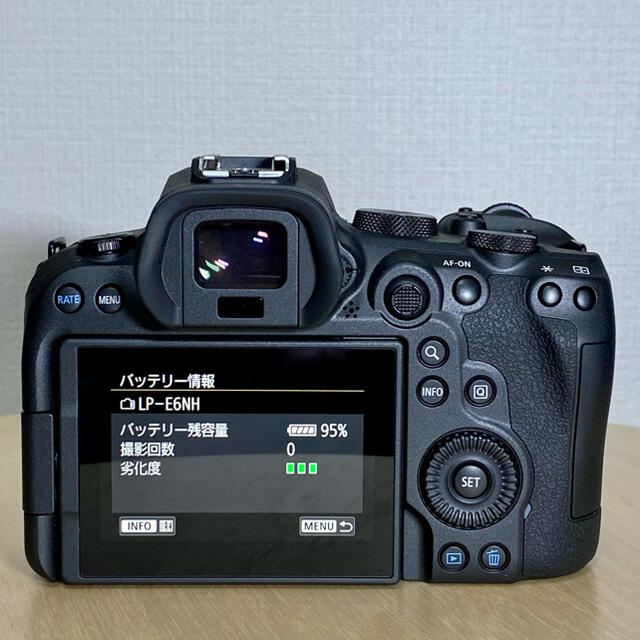 Canon(キヤノン)のeos R6 ボディ 新品同様 スマホ/家電/カメラのカメラ(ミラーレス一眼)の商品写真