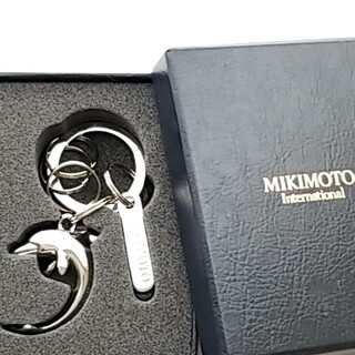 ミキモト(MIKIMOTO)の新品・未使用 MIKIMOTO ミキモト イルカ キーリング キーホルダー(キーホルダー)
