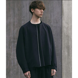 アタッチメント(ATTACHIMENT)の【WYM × ATTACHMENT】 NO COLLAR ZIP BLOUSON(ブルゾン)