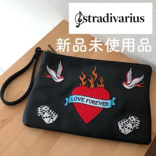ザラ(ZARA)の【新品】ストラディバリウス 刺繍ポーチ レザークラッチバック(クラッチバッグ)