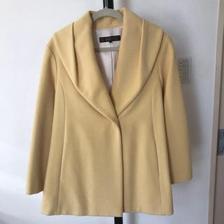 リフレクト(ReFLEcT)の明るく軽いハーフコートです。去年28000くらいで購入したものです。5.6回着。(ノーカラージャケット)