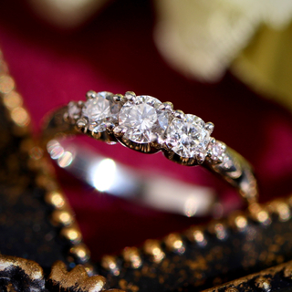 デビアス(DE BEERS)のDeBeersデビアス pt900トリロジーダイヤモンドリング 計0.5ct(リング(指輪))