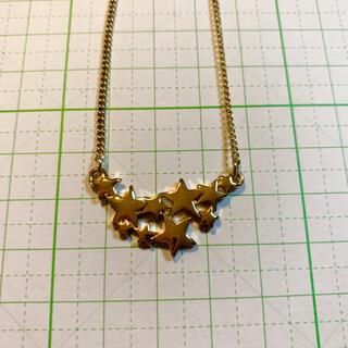 ジーユー(GU)のジーユー ゴールド色 スターモチーフ ネックレス(ネックレス)