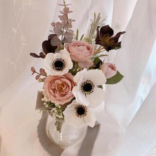 スワッグ アンティーク くすみピンクのバラ アネモネ チョコレート色 かすみ草(その他)