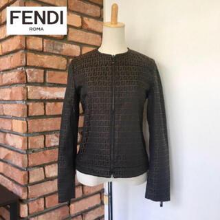 フェンディ(FENDI)の定価25万 2.3回使用 フェンディ ノーカラーブルゾン ズッカ柄 ジャケット(ブルゾン)