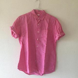 ジーユー(GU)のピンク シャツ(シャツ/ブラウス(半袖/袖なし))