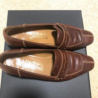 フェラガモ(Ferragamo)のFERRAGAMOローファー(ローファー/革靴)