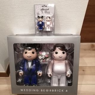 メディコムトイ(MEDICOM TOY)のBE@RBRICK グリーティング結婚 4 PLUS  400% 100%セット(キャラクターグッズ)