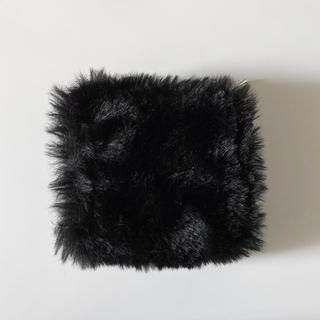 エモダ(EMODA)の【新品未使用】EMODA フェイクファーマルチ ウォレット ブラック(財布)