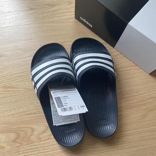 adidas - アディダスベナッシ24,5cm