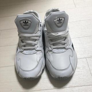 アディダス(adidas)のadidasスニーカー(スニーカー)