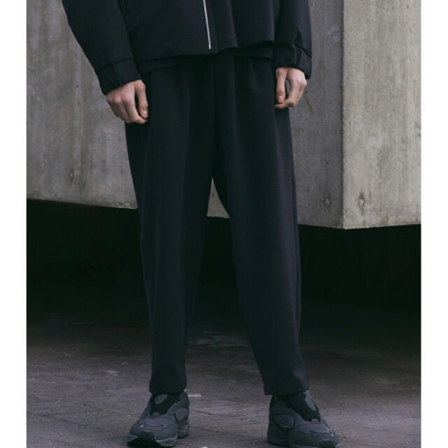 ATTACHIMENT(アタッチメント)の【WYM × ATTACHMENT】 LOOSE TAPERED PANTS メンズのパンツ(スラックス)の商品写真