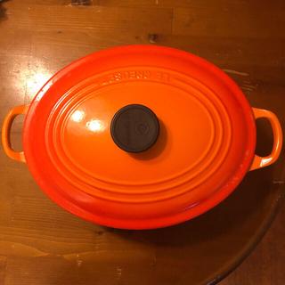 ルクルーゼ(LE CREUSET)のル・クルーゼ 両手鍋 オーバル27 オレンジ(鍋/フライパン)