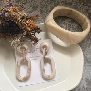 アズールバイマウジー(AZUL by moussy)のSALE!ivory marble pirce&bangle set②(ピアス)