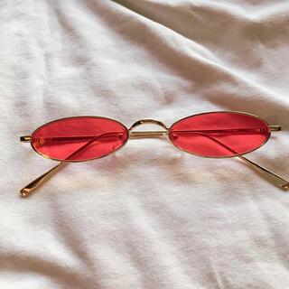 極細 オーバル型サングラス ゴールドフレーム レッドレンズ 新品未使用(サングラス/メガネ)