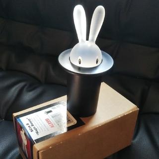 アレッシィ(ALESSI)の【新品未使用】ALESSI(アレッシィ) 爪楊枝入れ Magic Bunny(収納/キッチン雑貨)