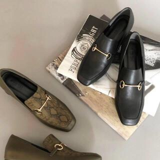 ムルーア(MURUA)のひかり様専用     MURUA 新品 ムルーア ナロースクエアローファー(ローファー/革靴)