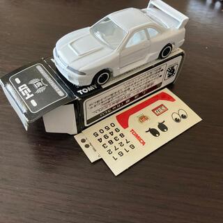 トミー(TOMMY)のイベント限定ホワイトトミカ スカイラインR33(模型/プラモデル)