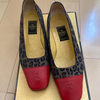 フェンディ(FENDI)のFENDI ローファー36サイズ(ローファー/革靴)