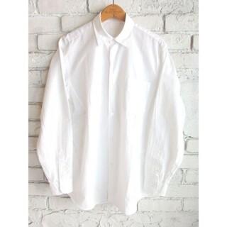 コモリ(COMOLI)のCOMOLI レギュラーカラーシャツ ホワイト 定番 size2(シャツ)