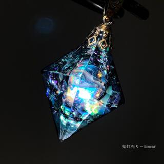 月の涙を集めて。 オルゴナイト 8面体 宇宙レジン ネックレス(ネックレス)