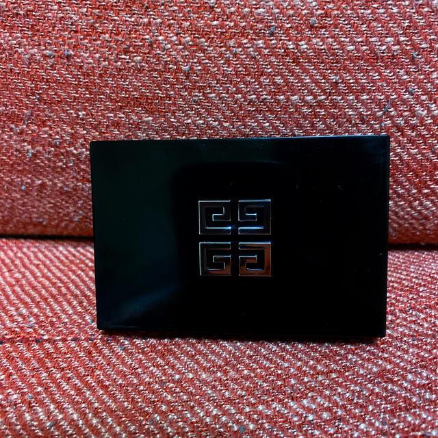 GIVENCHY(ジバンシィ)のし🍎様専用GIVENCHY チーク プリズムブラッシュ01 コスメ/美容のベースメイク/化粧品(チーク)の商品写真