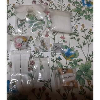 タカラトミー(Takara Tomy)のネオブライス 未使用 小物、スタンドセット「ラブアンドモア」【ドレス欠品】(人形)