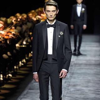 ディオール(Dior)のDIOR 2ピース スーツ ディオール (テーラードジャケット)