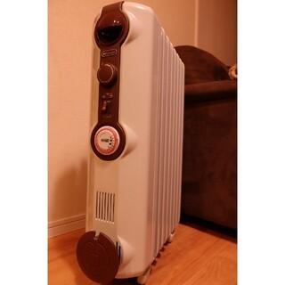 デロンギ(DeLonghi)のデロンギ オイルヒーター JR0812-BR 超美品 室内乾燥機(オイルヒーター)