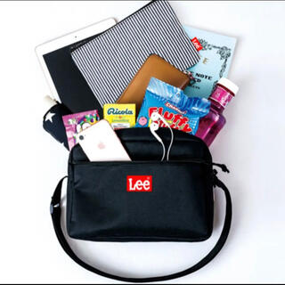 リー(Lee)のLee SHOULDER BAG BOOK RED(ショルダーバッグ)