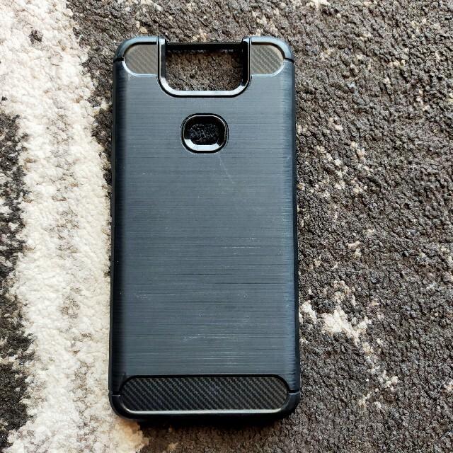 ASUS(エイスース)のZenFone 6 (ZS630KL) ケース カバー 炭素繊維調 TPUケース スマホ/家電/カメラのスマホアクセサリー(保護フィルム)の商品写真