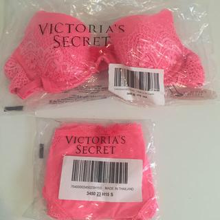 ヴィクトリアズシークレット(Victoria's Secret)の❤︎未開封 VSブラ・ショーツセット❤︎(ブラ&ショーツセット)